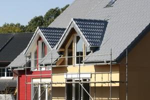 Voor het plaatsen van een dakkappel heeft u een akkoord nodig van zowel de gemeente als uw buren.© R.R.Hundt - Fotolia
