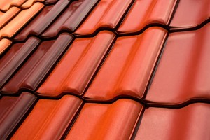 Dakpannen gebruikt men in zowel Nederland als België het meest als men kiest voor dakbedekking.©Fotolia