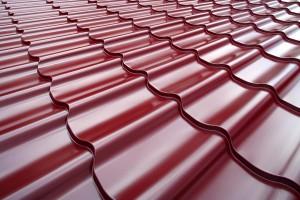 Met dakpanplanten is het dak sneller gedekt als met dakpannen, omdat er minder materiaal nodig is.©Aleks Kend - Fotolia
