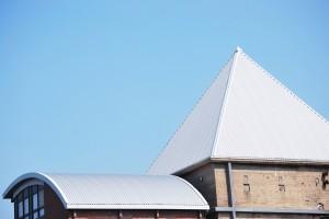 Aluminium daken hebben veelal dezelfde eigenschappen als koper/zinken daken. ©Otmar Smit - Fotolia