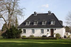 Het schilddak ziet men vanaf 1930 steeds vaker in Nederland en dan vooral op het platteland.© Irina Fischer - Fotolia