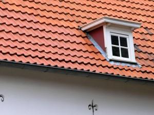 Het traditionele dakkappel kan men herkennen aan het platte dak en de rechte zijwanden.©Ray Nicovs - Fotolia